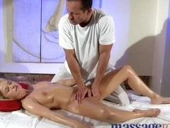 Massage Rooms G-spots explode in big O after specific fuck