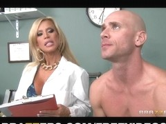 Divorced doctor gives her well hung patient a thorough exam