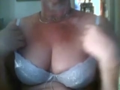 So bored alone at home and here I go on web camera flashing love muffins