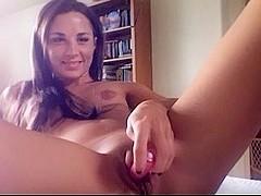 Bikini Cam Babe Cums On Cam