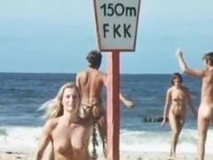 Ingrid Steeger,Various Actresses,Monica Marc,Unknown in Sonne, Sylt Und Kesse Krabbe (1971)