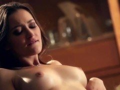 Slender Ivana Sugar pleasures her brunette girlfriend