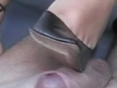 Hawt heeljob tugjob from wife hawt heels