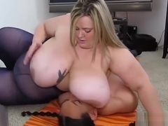 SSBBW Mandy Majestic Crushes and Smothers Fan