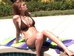 Faye Reagan Turns to Her Dildo