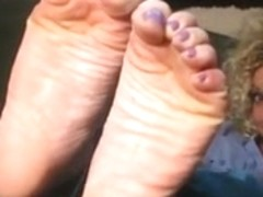 HOME FEET WRINKLED WIDE SOLES