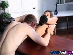 Hot babes give blowjobs