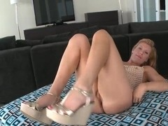 Horny Jessica Heart teases her pussy with her fingers and curves in fron of a cam