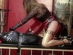 Facesitting in latex stockings