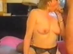 Retro Aged French Mommy enjoys fisting