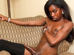 Monica Lewinskeet in Well Toned Monica Lewinskeet - BlackTGirls