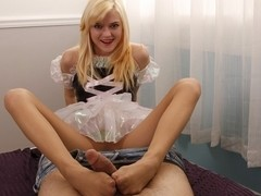 Fan Maid Video: Chloe Foster Foot Job Cleaning
