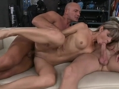Cock craving webcam is fucking herself with her huge sex toy