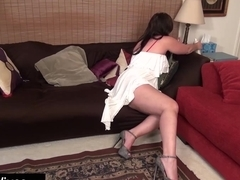 USAWIVES - Mature Dylan from USA pleasing her shaved pussy