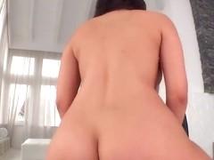 Hot Valentina Nappi gets wet minge creamed
