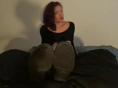 Model's size 11 soles