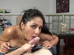 Big assed Latina chick is going to give a head
