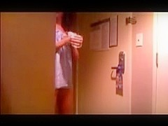 hot chick drops towel to room service