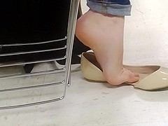 Beautiful Feet [80]