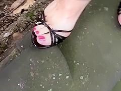 Black heels pedal pumping
