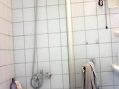 My hot gf doesn't fuck without taking a shower