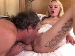Teen blonde Faye Runaway pleasures her step daddy