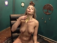 CzechHypno E05 Beautiful Squirting Polina