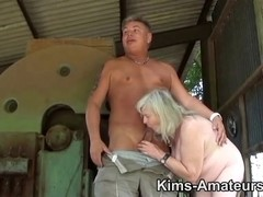 72 year old granny gives a orall-service and receives screwed