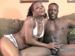 Dark housewife Anastasia is swallowing some pecker