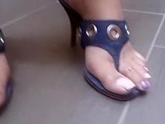 Highheel thongs
