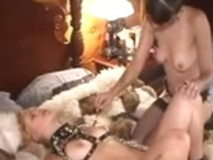 Lesbo Domination Drubbing And 10-Pounder