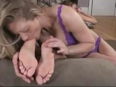 Lovely lesbian feet worship!