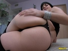 MonsterCurves - Give me more