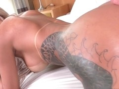 Alex Victor in Big-Assed T-Girl Ruthlessly Reamed - ShemaleIdol