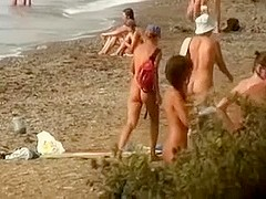 Filming a skinny whore getting fucked in her pussy by her BF at the beach