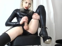Visceratio in latex suit cumshow