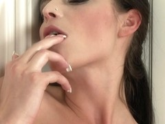 WetAndPuffy Video: Denisa Doll
