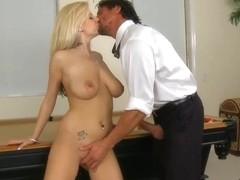 Haley Cummings seduces Tommy Gunn and gives head