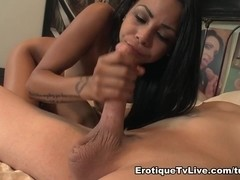 Gulliana Alexis Red Hot Latina