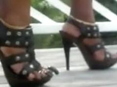 lengthy toenails