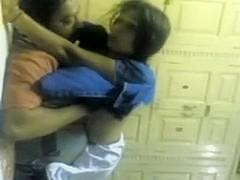 Boy Auntie in Masti