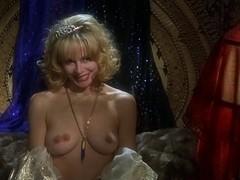Joey Lauren Adams,Priscilla Barnes in Mallrats (1995)