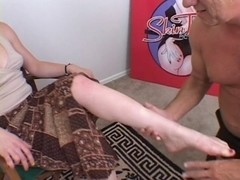 Ding-Dong-sucker gives  a foot-job