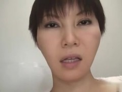 Hot Japanese bimbo shags passionately