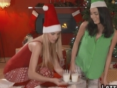 Sexy lesbians fingering for xmas