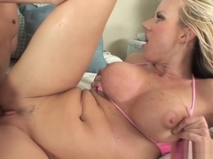 Huge juggs Carolyn Reese gets nailed