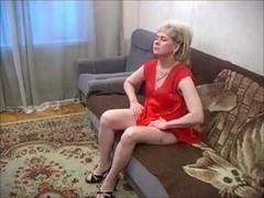 Granny home alone 003