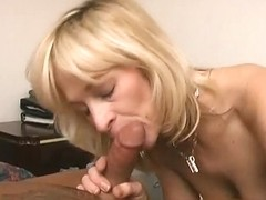 Mature ladie gets the fucking she craved for