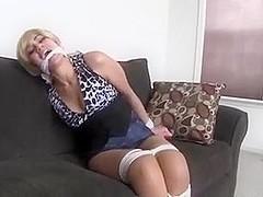 slutty blonde Sahrye