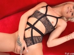 Presents Cutie Chloe Temple Toying Her Fre